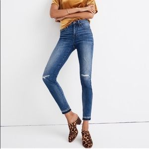 """Madewell 9"""" High Rise Skinny Distressed Jeans 23"""